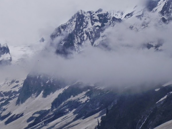 Sonamarg photos, The Clouds in Peaks