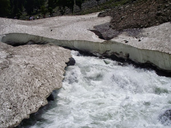 Pahalgam photos, Aru - River Flowing in Glacier