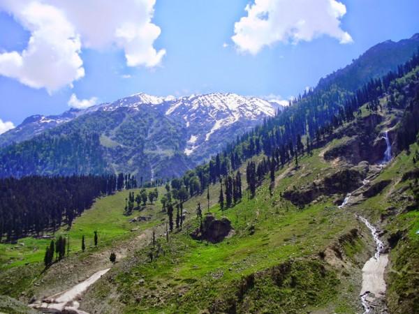 Pahalgam photos, Betaab Valley - Beautiful Peaks