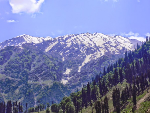 Pahalgam photos, Betaab Valley - Beautiful Peaks View