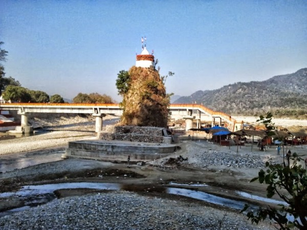 Corbett National Park photos, Garjia Temple - On the way
