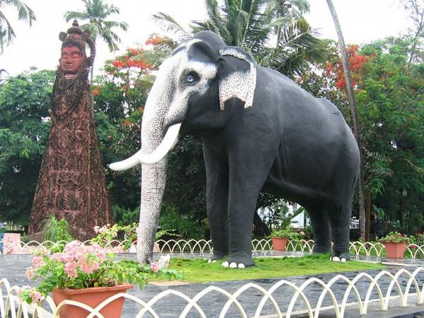 Guruvayur photos, Elephant Camp - Kesavan Statu Side View