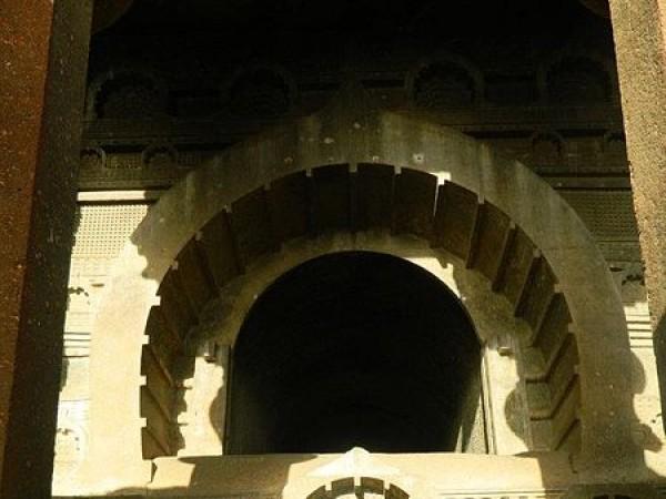 Kamshet photos, 450px-Bedse_caves1