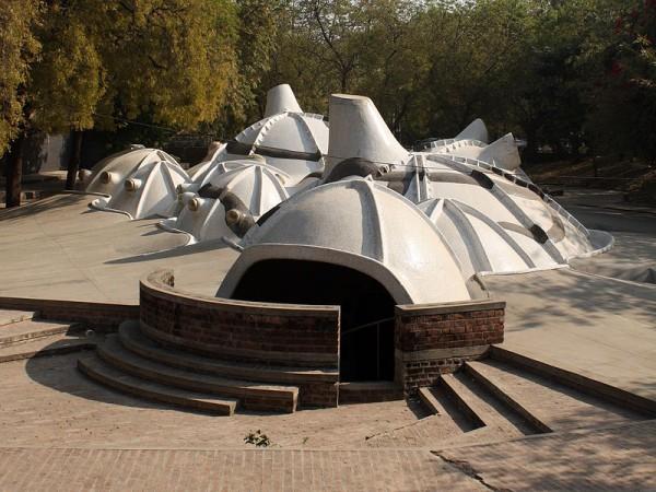 Ahmedabad photos, Hussain Doshi's Gufa - 800px-Amdavad_ni_gufa
