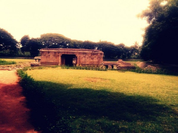 Hampi photos, The Underground Temple
