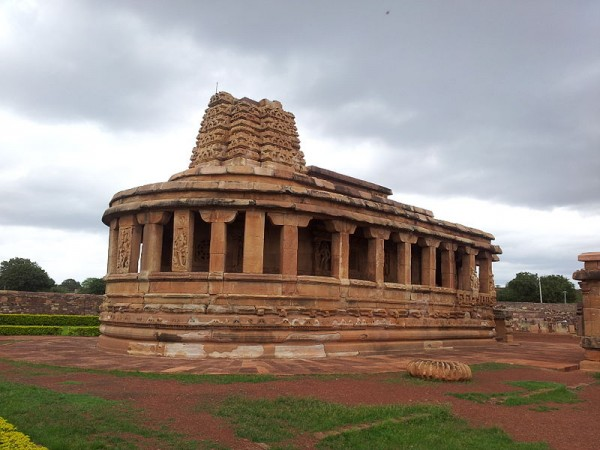 Aihole photos, Durga Temple - Durga Temple