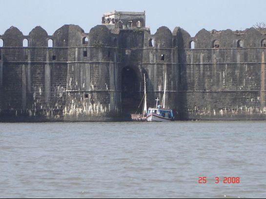 Murud Janjira photos, Janjira Fort - Along the Arabian Sea
