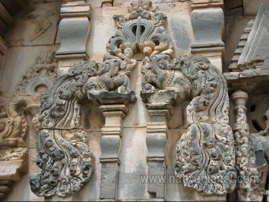Gadag photos, Lakkundi - Intricate Engravings