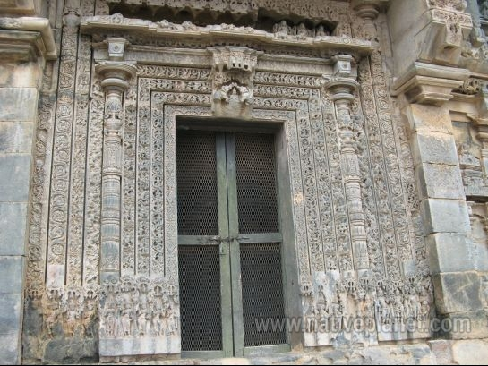 Gadag photos, Lakkundi - Sculpted Doorway