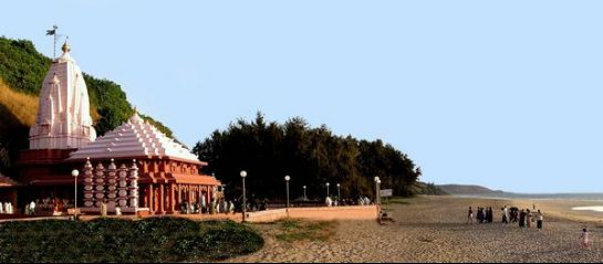 Ganpatipule photos, Ganpatipule Beach - A Temple on The Coastline