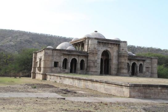 Champaner photos, Nagina Masjid - Tranquil surroundings