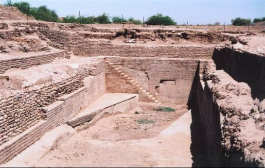 Dholavira photos, Harappan City - Water Reservoir