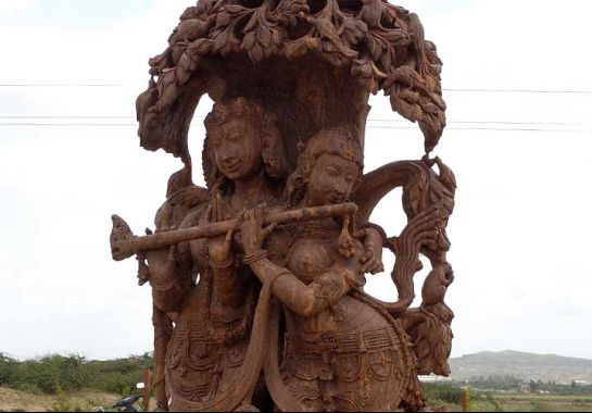 Bhuj photos, Bhujodi - Wooden Idol