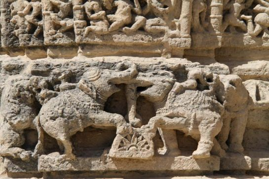 Dwarka photos, Ghumli - Images on the Temple Wall