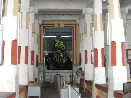 Bangalore photos, Bull temple - Inside view