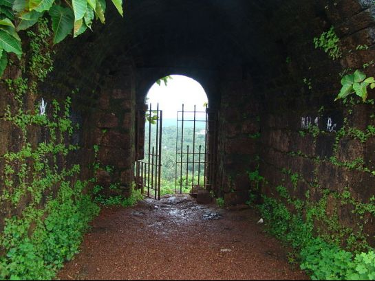 Goa photos, Fort Chapora - Interiors of the Fort
