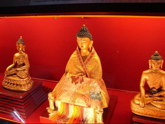 Gangtok photos, Namgyal Institute of Tibetology - Statue of Buddha