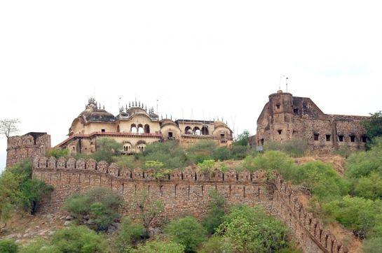 Alwar photos, Bala Quila - The Fort From A Distance