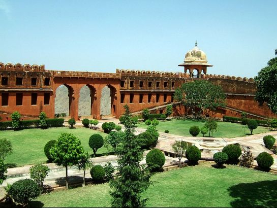 Jaipur photos, Jaigarh Fort - Compund