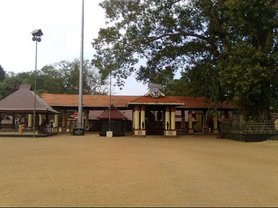 Alleppey photos, Chettikulangara Bhagavathy Temple - Dirtless Surroundings