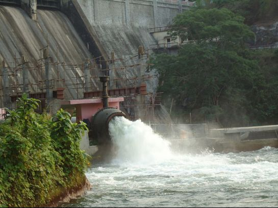 Thrissur photos, Peechi Dam - Spill Way
