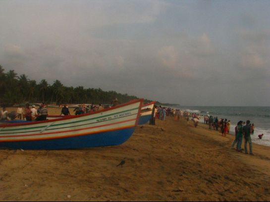 Thrissur photos, Chavakkad Beach - Colourful Boats