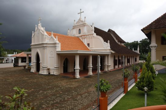 Kottayam photos, St. Mary's Orthodox Church - A Side View
