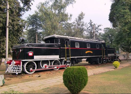 Delhi photos, National Railway Museum - Indian Electric Locomotive
