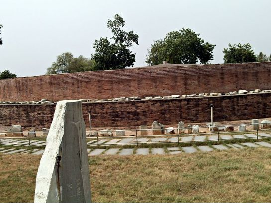 Amaravathi photos, Amaravathi Stupa - Remains of the Stupa