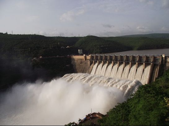 Srisailam photos, Srisailam Dam - Gushing Waters