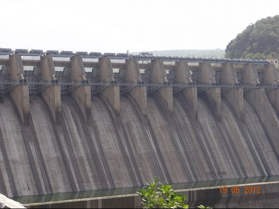 Srisailam photos, Srisailam Dam - Dam Sans Waters