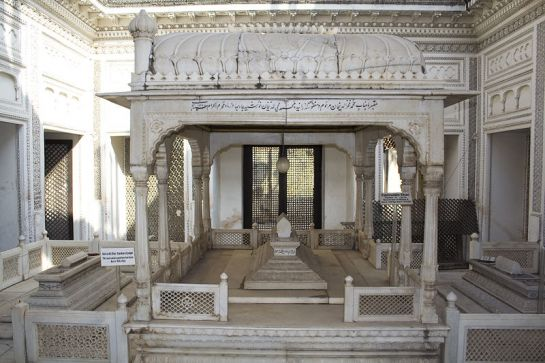Hyderabad photos, Paigah Tombs - A portion of tomb