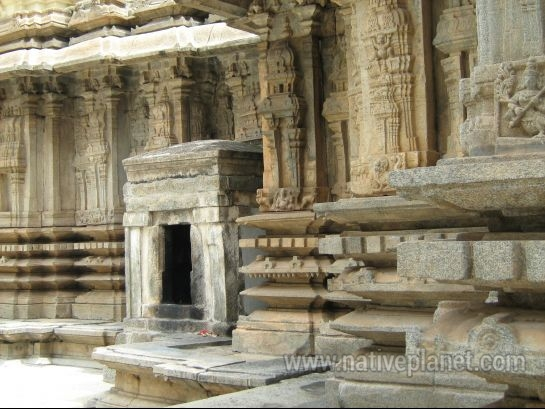 Talakadu photos, Vaidyanatheshwara Temple - Inner view