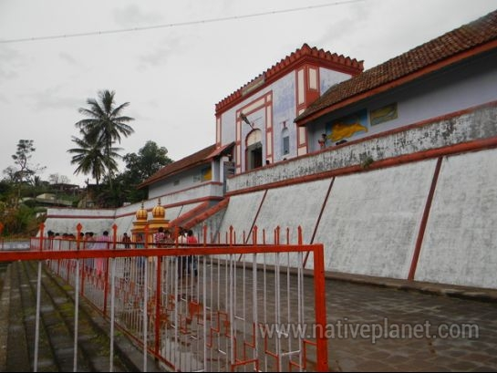 Coorg photos, Omkareshwara Temple - Path towards Omkareshwara temple