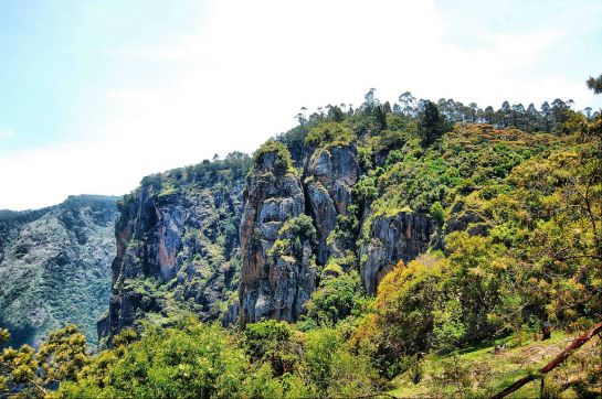 Kodaikanal Photos, Pillar Rocks - A Picturesque View