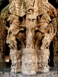 Kanchipuram photos, Varadharaja Perumal Temple - Cavalry carved on a pillar