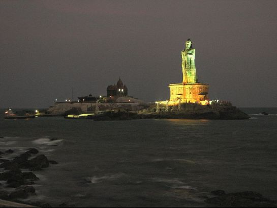Kanyakumari photos, Thiruvalluvar Statue - Thiruvalluvar Statue at Night