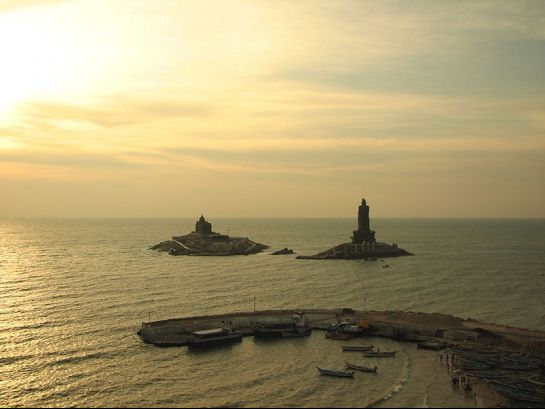 Kanyakumari photos, Thiruvalluvar Statue - Vivekananda Rock and Valluvar Statue
