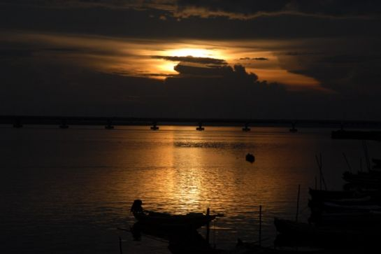 Yanam photos, Sunset at Gowthami River
