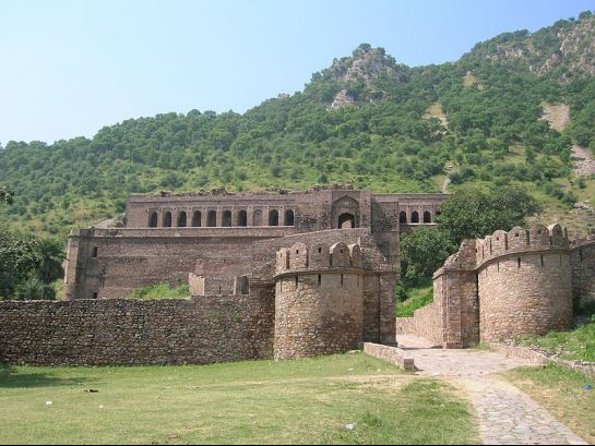 Sariska photos, Bhangarh Fort - Entrance