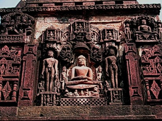 Deogarh photos, Jain Temples - Idol carved into stones