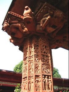 Deogarh photos, Jain Temples - Riched carved pillar