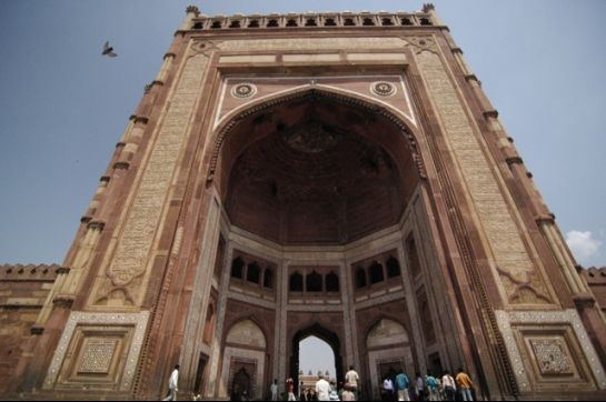 Fatehpur Sikri photos, Buland Darwaza - Low Angled View