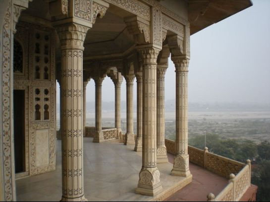 Agra photos, Musamman Burj - The carved pillars of the Burj.