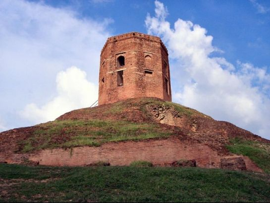 Sarnath photos, Chaukhandi Stupa - A Closer view