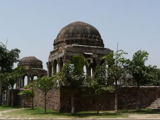 Mandu photos, Darya Khan's Tomb - Magnificient  Architecture.