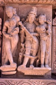 Khajuraho photos, Parsvanath Temple - Carved Idols