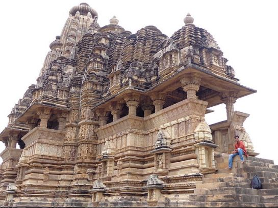Khajuraho photos, Viswanath Temple - The Main Gopura