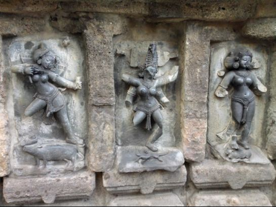 Khajuraho photos, Chausath Yogini Temple - Three Yoginis at Temple
