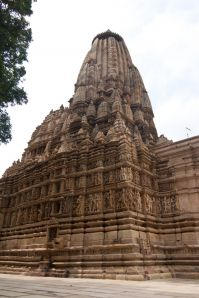 Khajuraho photos, Shanthinath Temple - Beautiful Carving and Sculptures